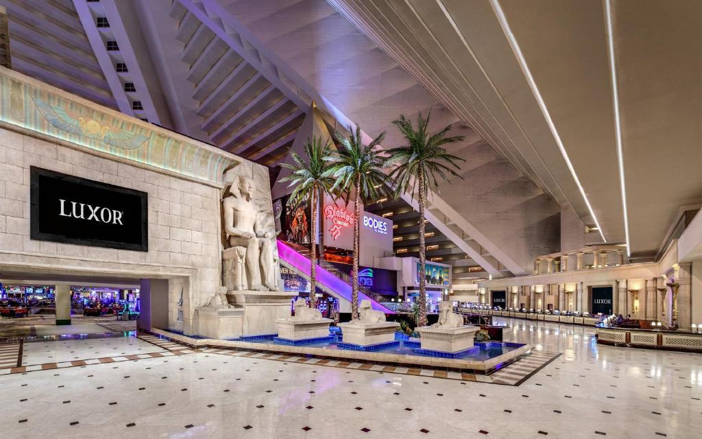 Luxor casino las vegas nevada grid 2 game controller setup