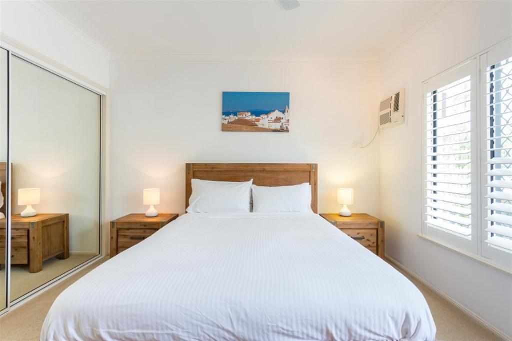 A bed or beds in a room at ❤2br amazing beach-house❤