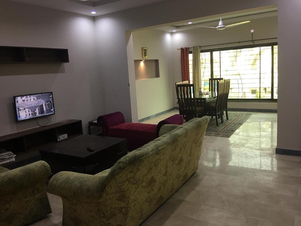 Spacious Apartment In Johar Town Lahore Pakistan Booking Com