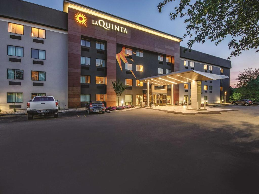 La Quinta by Wyndham Hartford - Bradley Airport