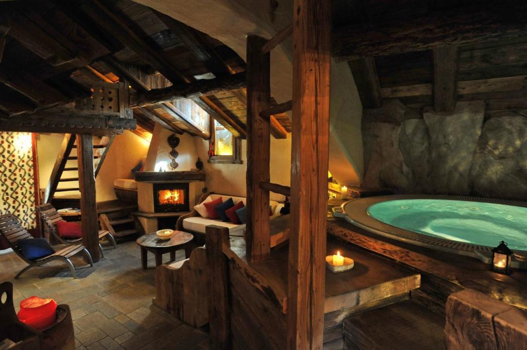 Hotel Du Grand Paradis & Wellness La Baita Cogne, Italy