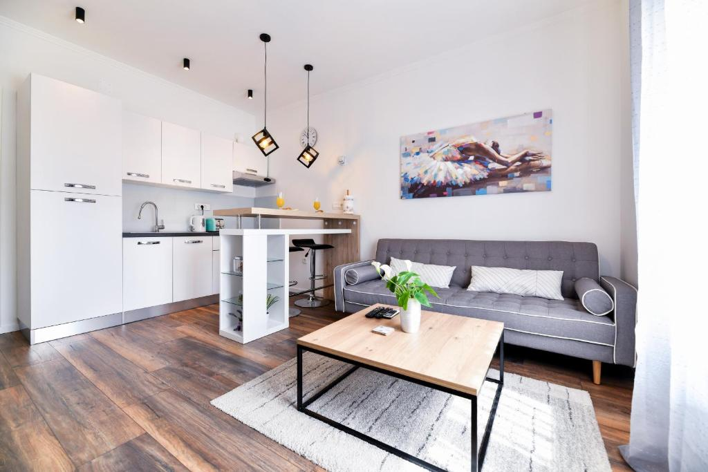 A seating area at Serenity Apartment