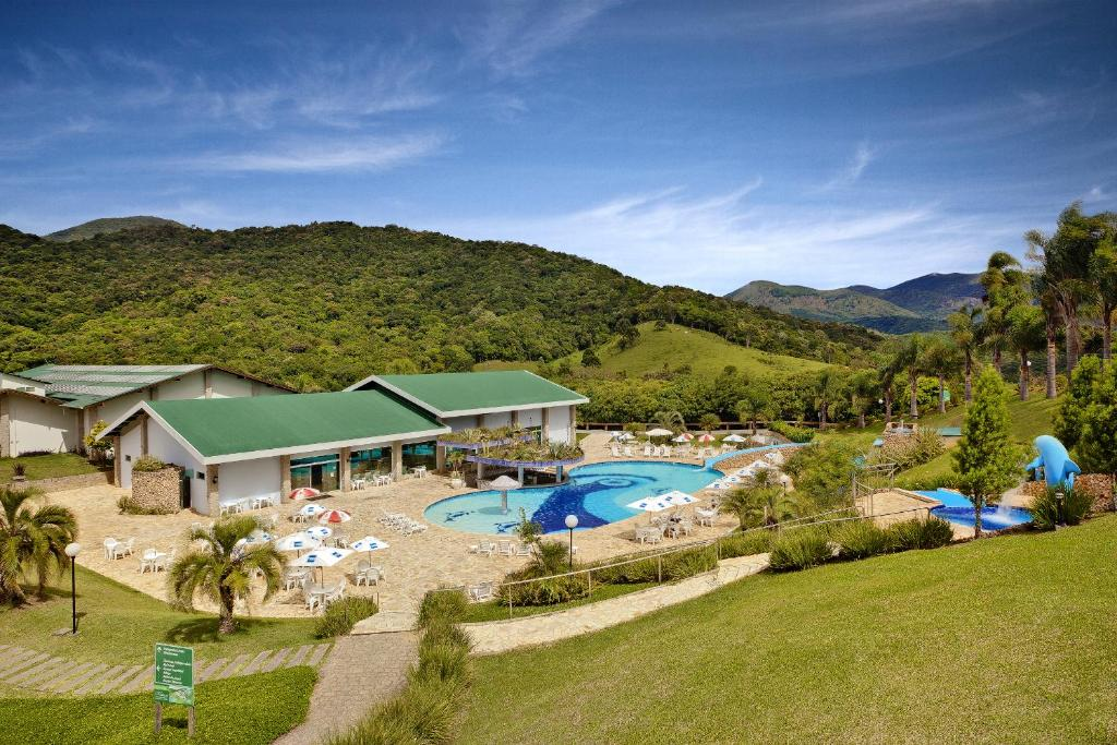 A view of the pool at Capivari Ecoresort or nearby