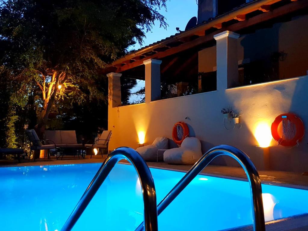 Πισίνα στο ή κοντά στο Villa Butterfly