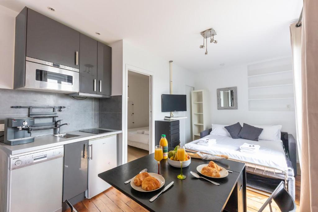 Champs Elyssee Apartment 40 Sqm Paris France Booking Com