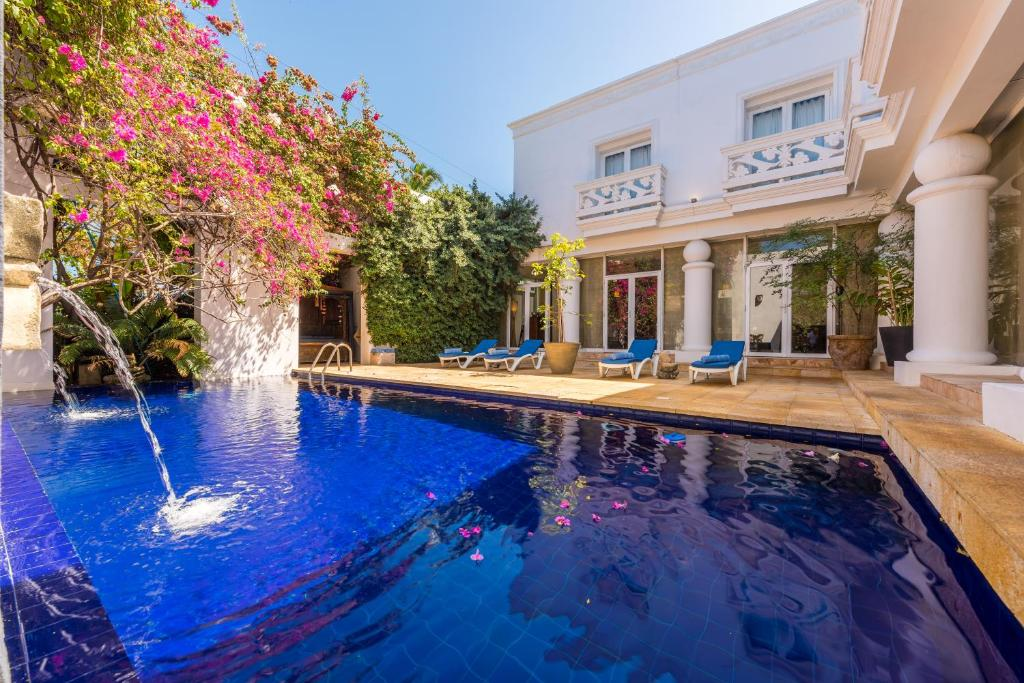 The swimming pool at or near Casa Harb Hotel Boutique