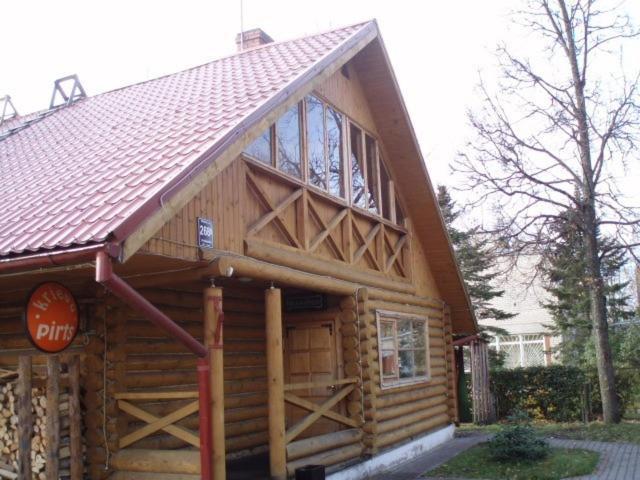 Ēka, kurā atrodas brīvdienu māja