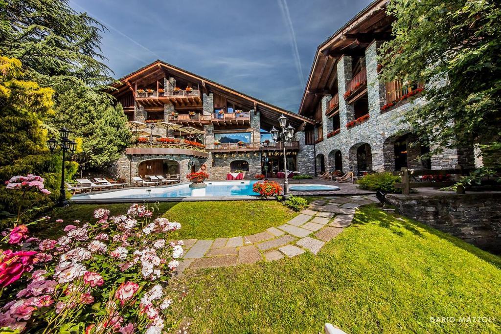 Relais Mont Blanc Hotel & SPA -, La Salle, Italy - Booking.com