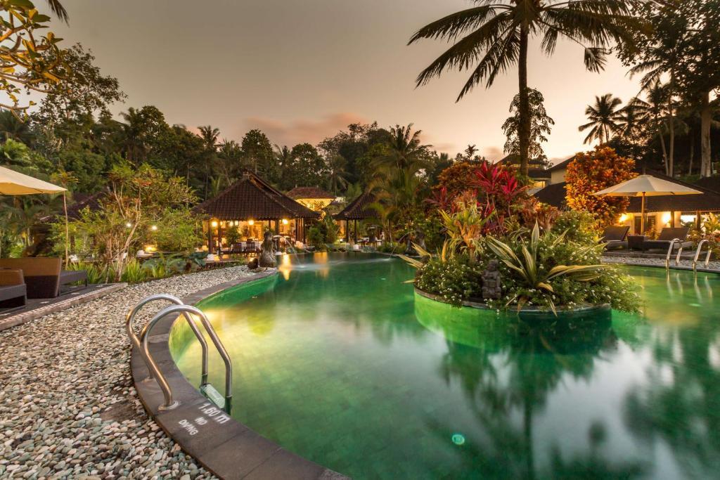 Бассейн в Villa Taman di Blayu или поблизости