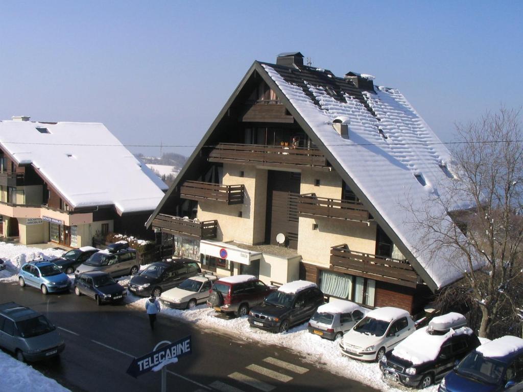 L'établissement Studio Yeti Immobilier en hiver