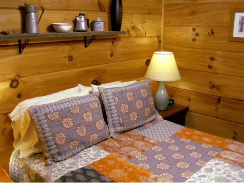 Linville River Log Cabins