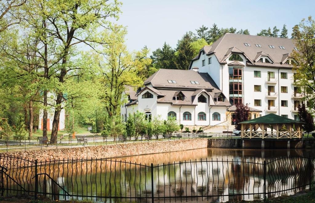 Solotvyno Resort (Украина Солотвино) - Booking.com
