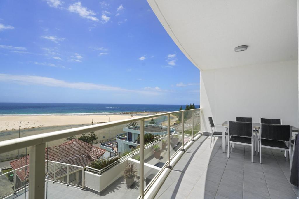 A balcony or terrace at Ocean Views, Unit 24