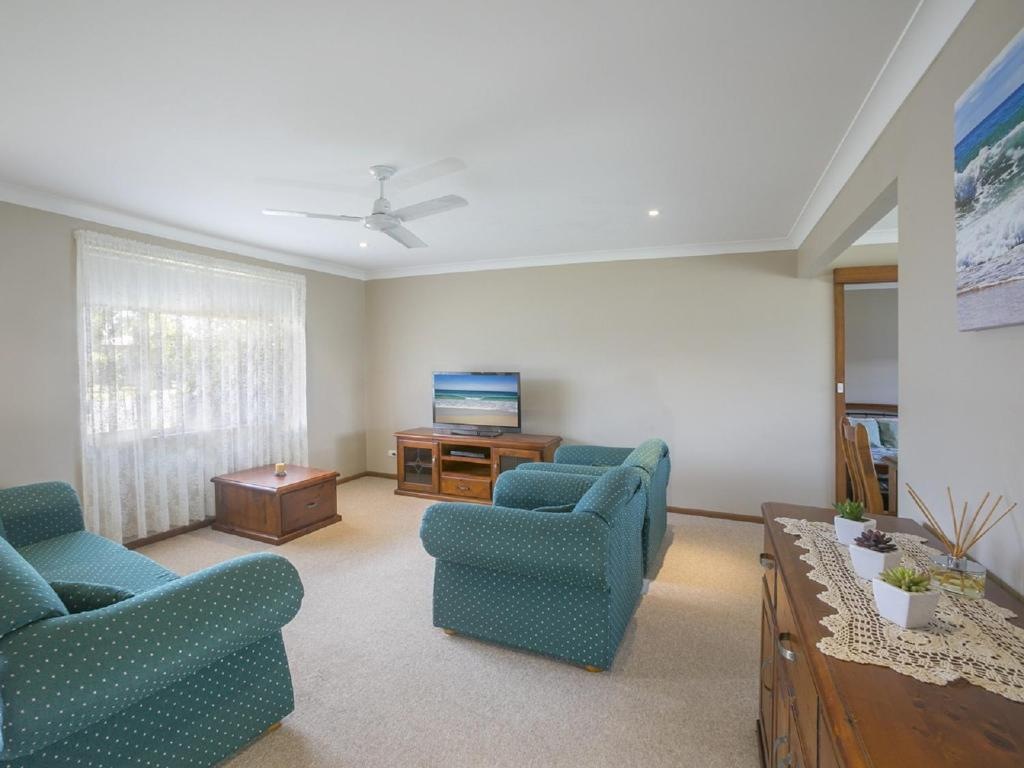A seating area at Robys Retreat - Sawtell, NSW
