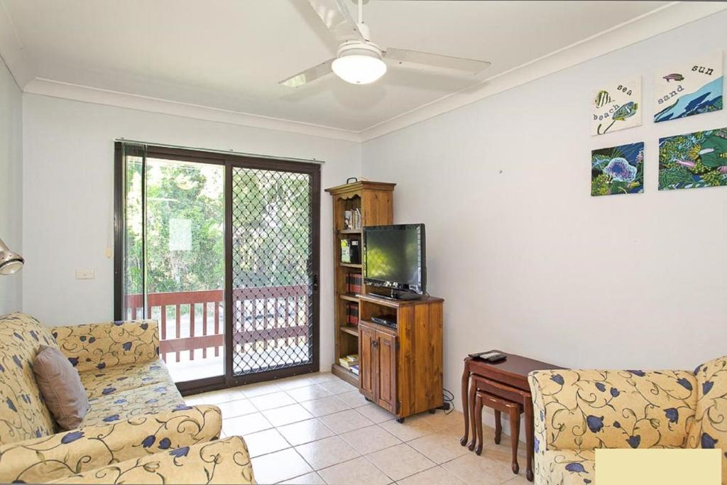 A seating area at Ocean Sands 5 - Sawtell, NSW