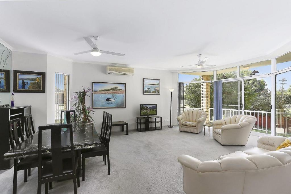 A seating area at Solitaire 1 - Sawtell, NSW