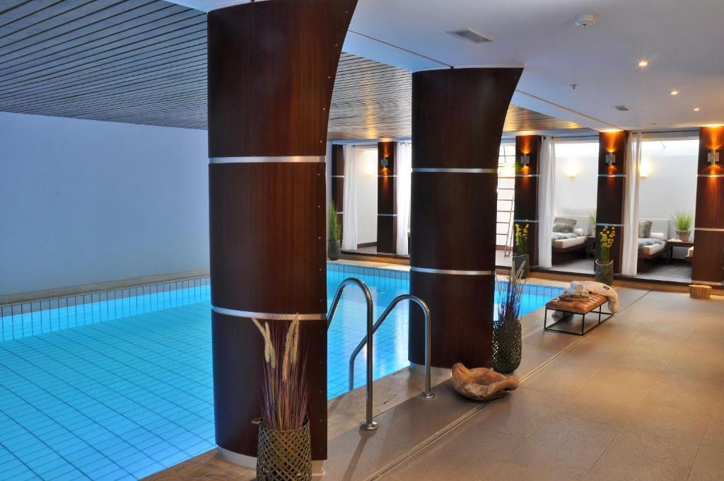 The swimming pool at or near Hotel Eggers Hamburg