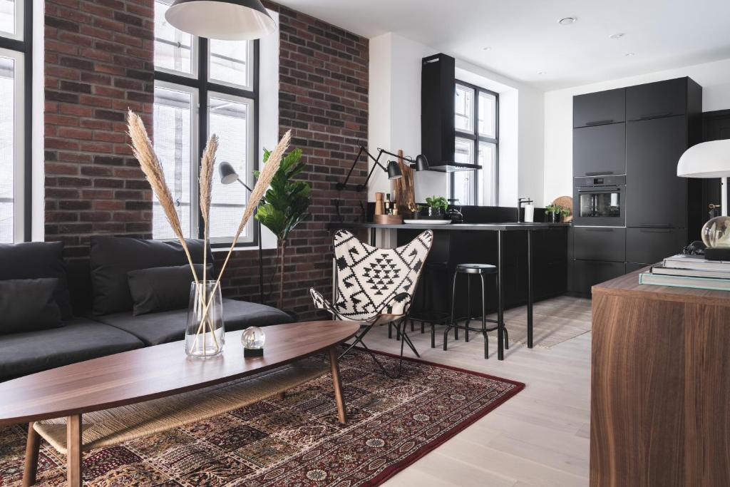 A seating area at KOS16 Apartments