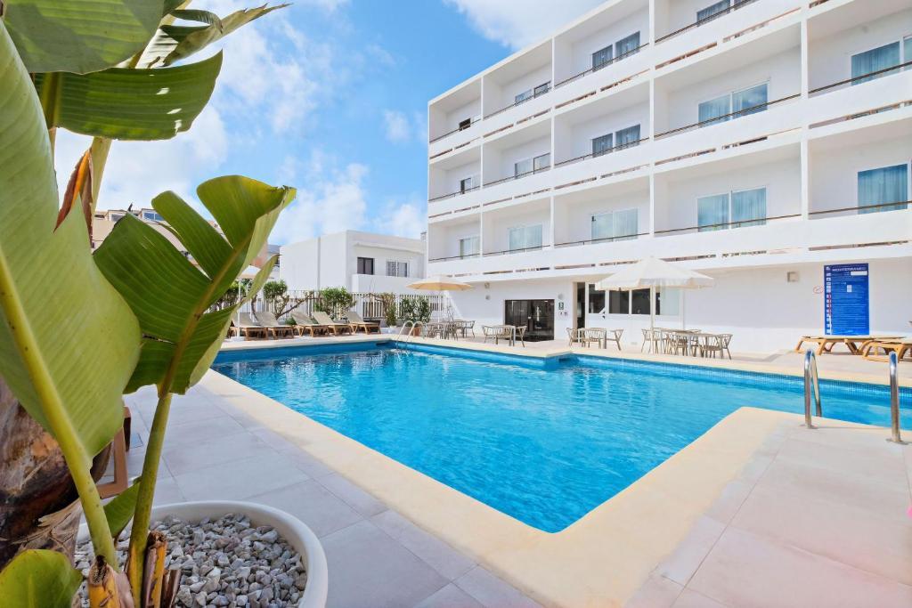 azuLine Hotel Mediterraneo Santa Eularia des Riu, Spain