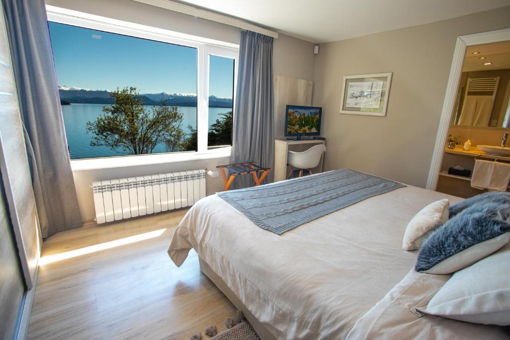 Una cama o camas en una habitación de Little Homes