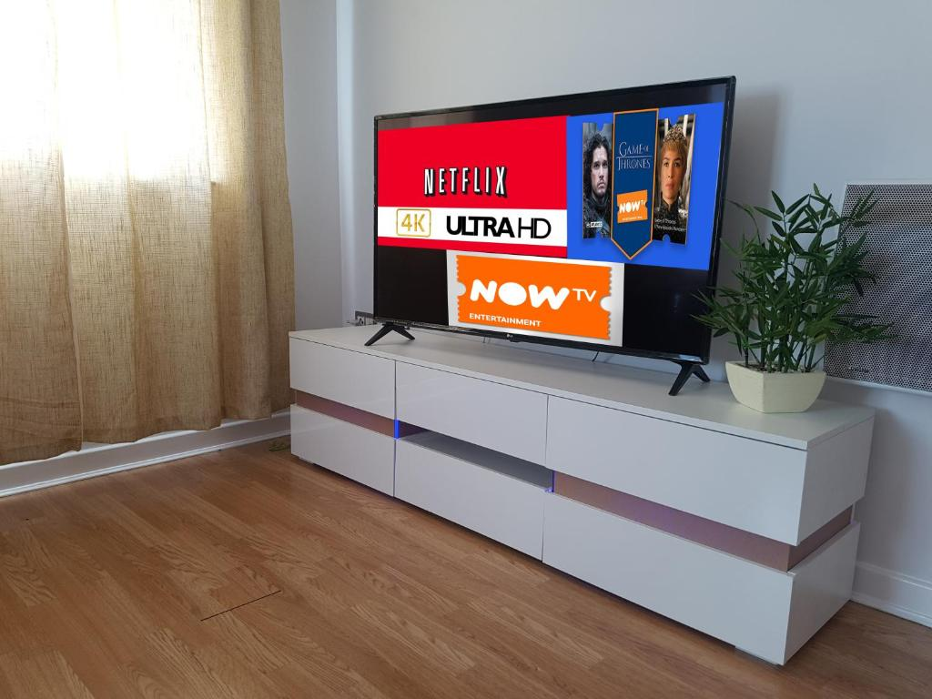 3 Bed Luxury Town Center Apartment With 50 Inch 4k Tv Netflix Nowtv Ent Pass Northampton Bijgewerkte Prijzen 2021