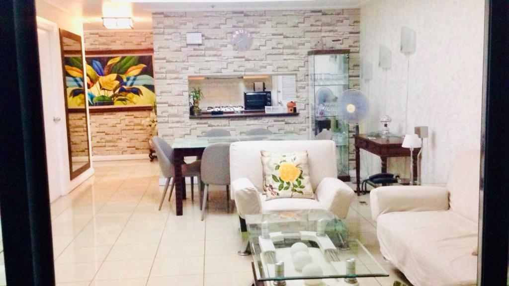 67 Sqm Condo Unit In Robinson Place Residences Manila Philippines Booking Com