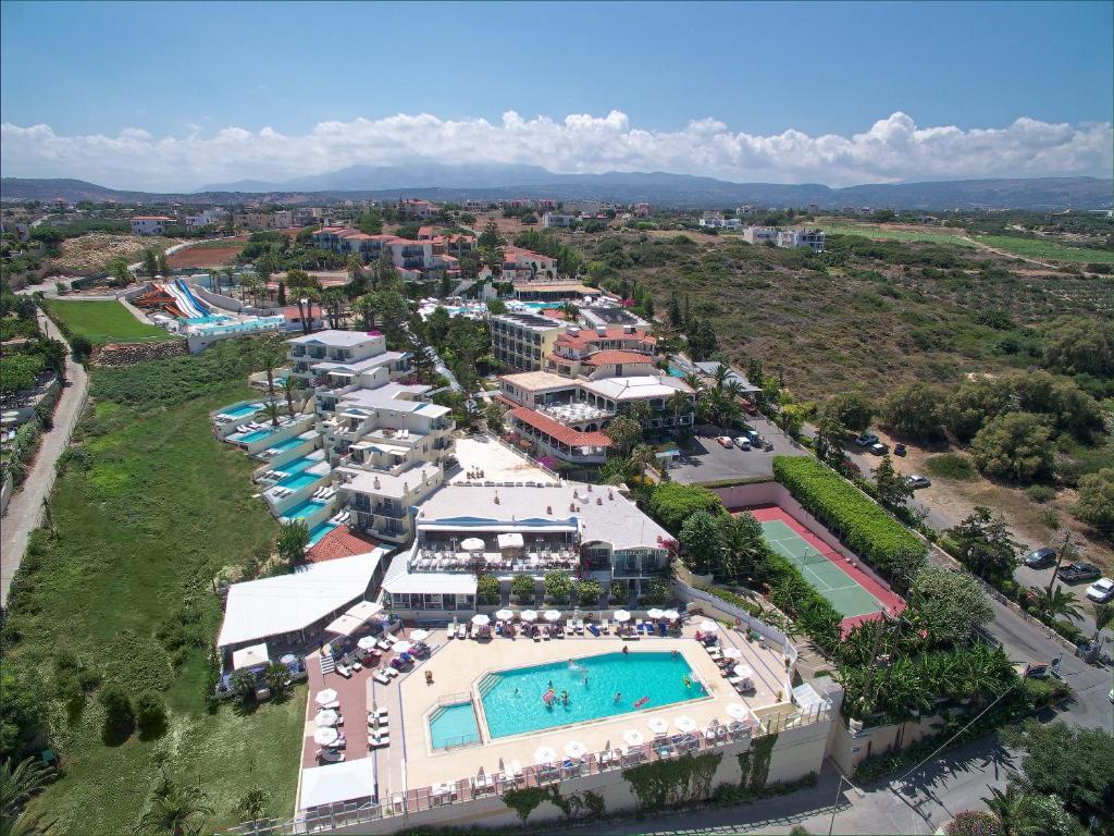 Άποψη από ψηλά του Bomo Rethymno Mare Royal & Water Park