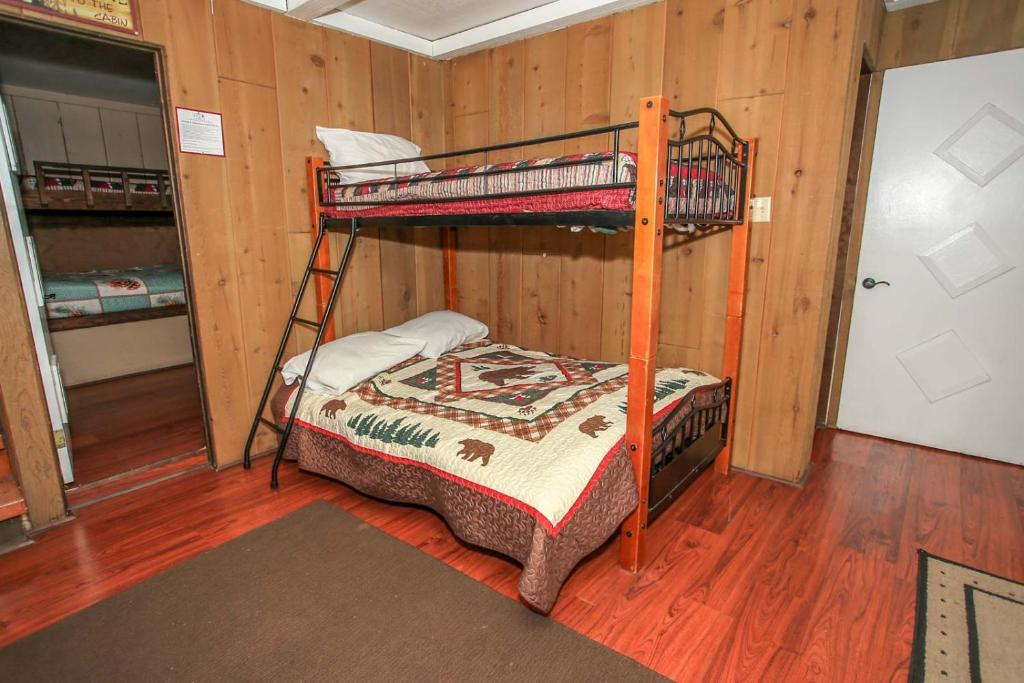 Picture of: Treehouse By Big Bear Cool Cabins Sugarloaf Updated 2020 Prices