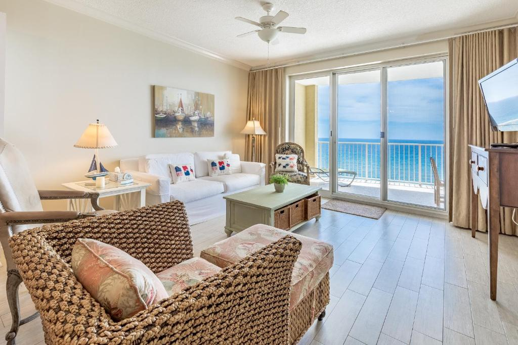Twin Palms 1404 by RealJoy Vacations