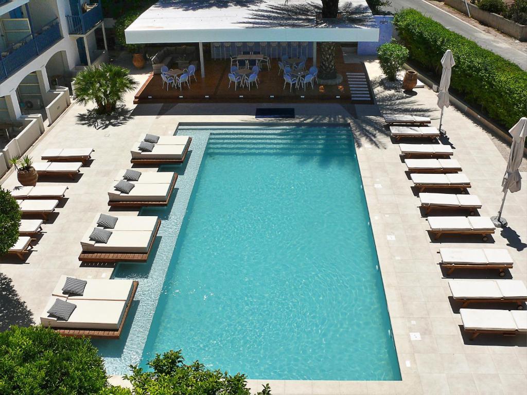 Θέα της πισίνας από το Ξενοδοχείο Δανάη ή από εκεί κοντά