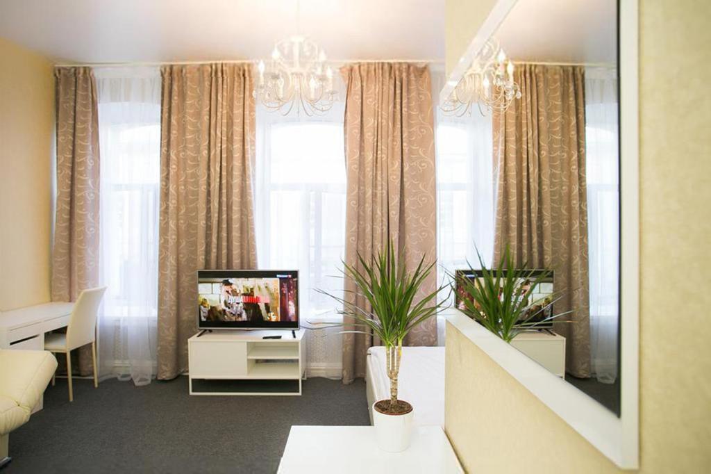 Телевизор и/или развлекательный центр в Горький Отель