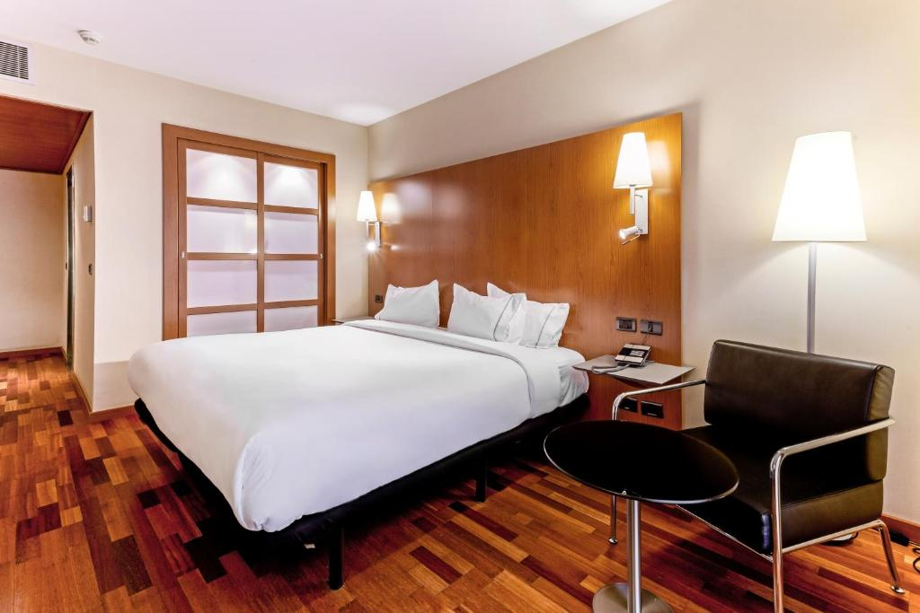 Hotels Near Plaza Universidad Shopping Center, Mexico City