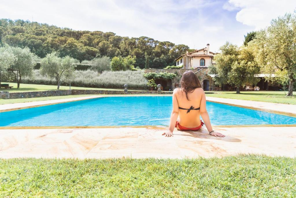 The swimming pool at or near Tenuta Le Viste