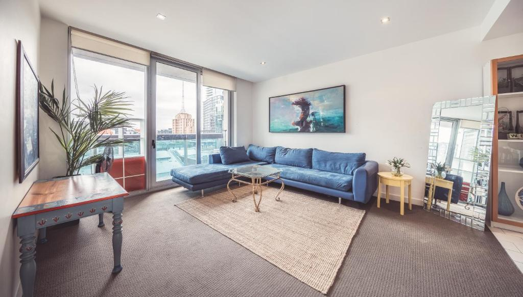 A seating area at QV Central CBD Best Location -2Bedder+CarPark+GymPool