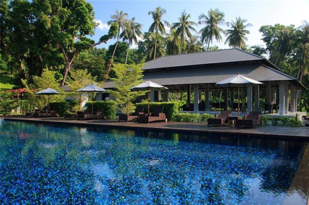 The swimming pool at or near Plub Pla Koh Mak Retreat
