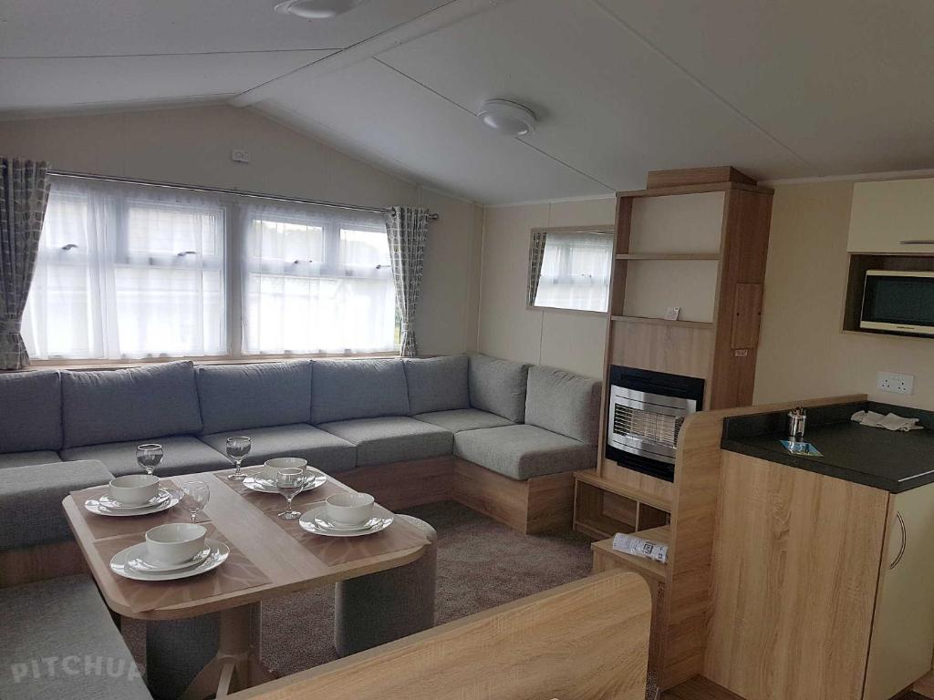 A kitchen or kitchenette at Rosehill Caravan Park