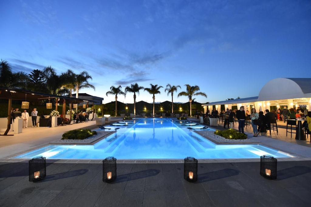 The swimming pool at or close to Hotel Royal Paestum