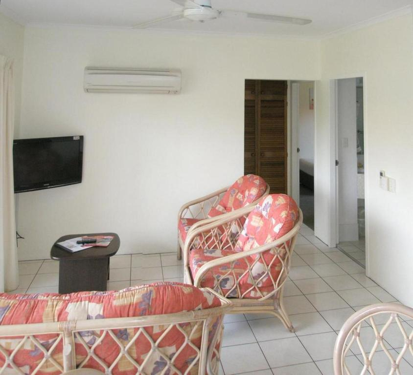 Tradewinds McLeod Holiday Apartments - Laterooms