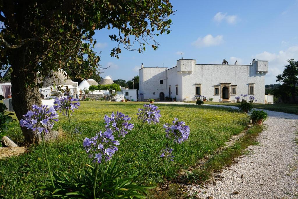 A garden outside Masseria Ferri