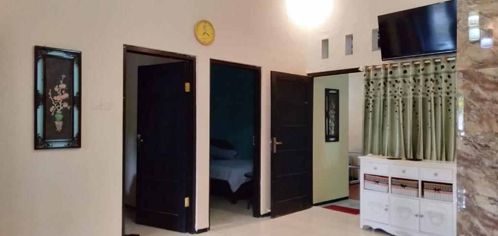 Villa Purnama Batu Indonesia Booking Com
