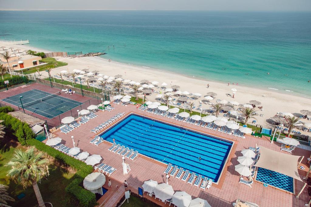 Sharjah carlton hotel 4 оаэ шарджа квартиры с аукциона в таллинне