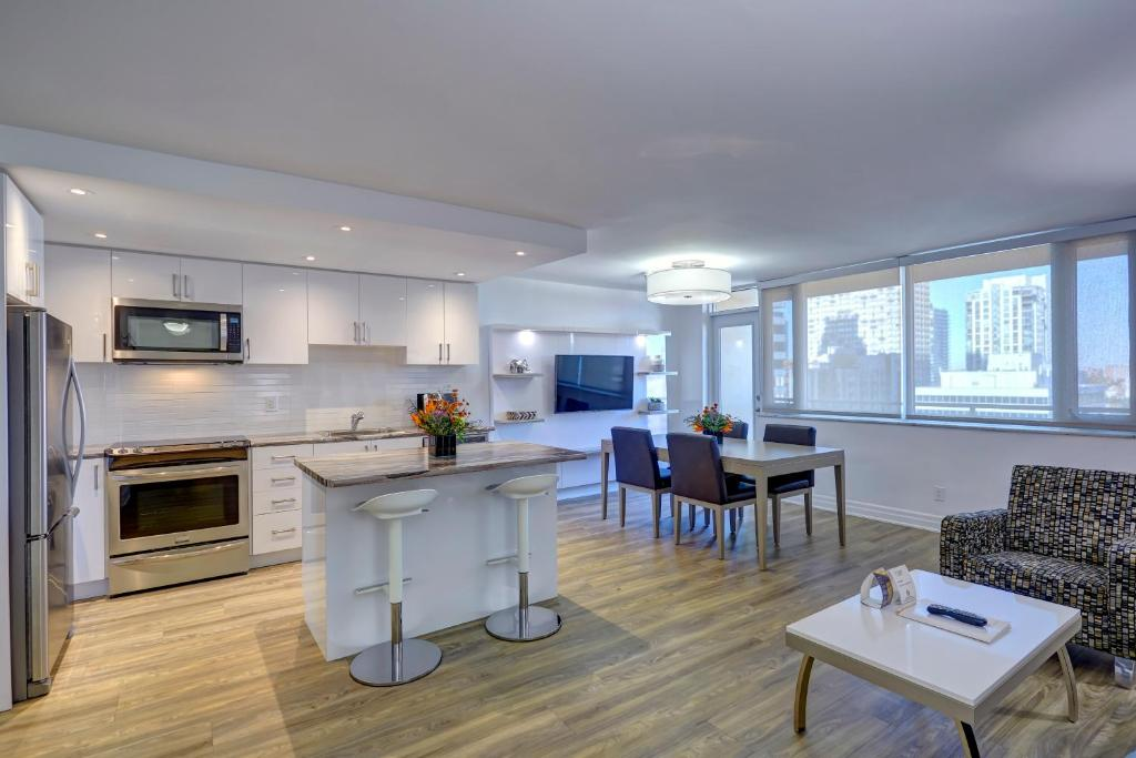 A kitchen or kitchenette at Town Inn Suites