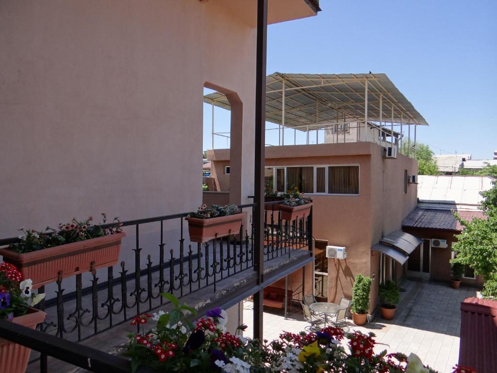 Балкон или терраса в Areg Hotel
