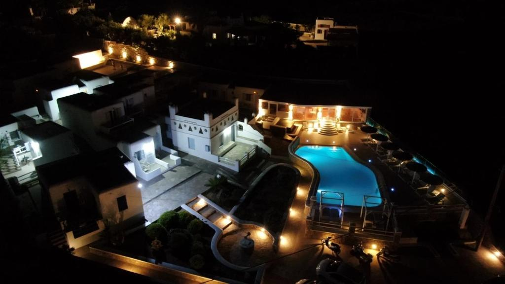 A bird's-eye view of Casa Bianca