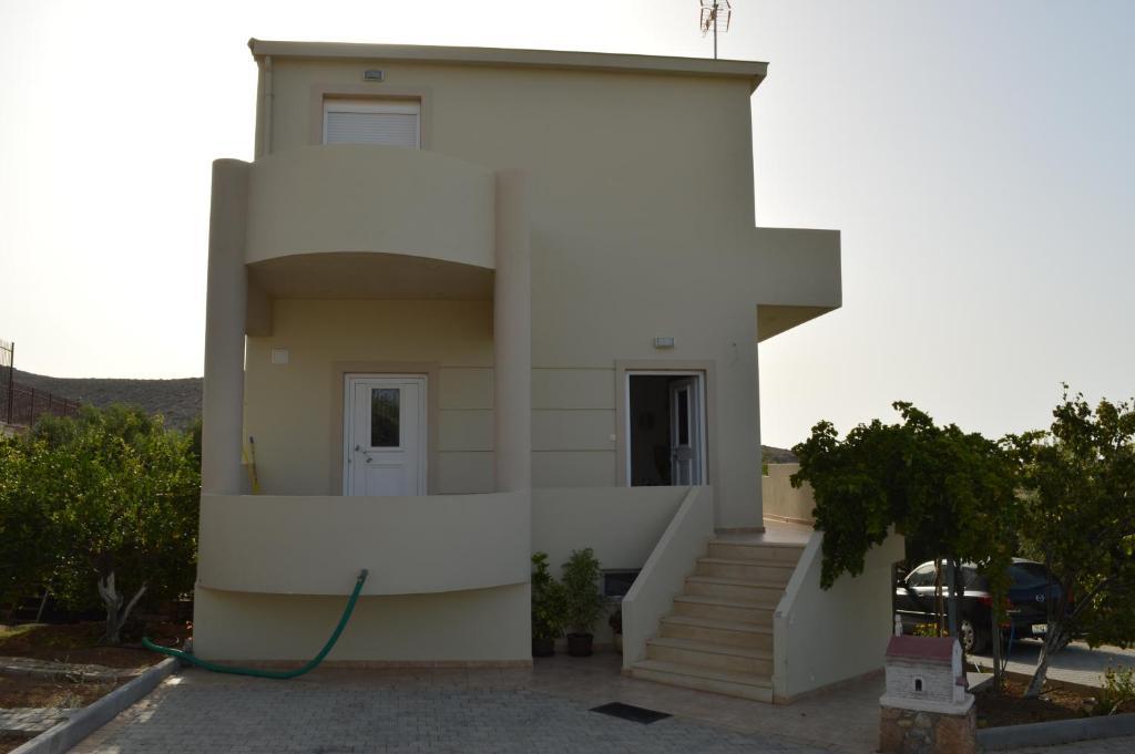 Elleni's Villa