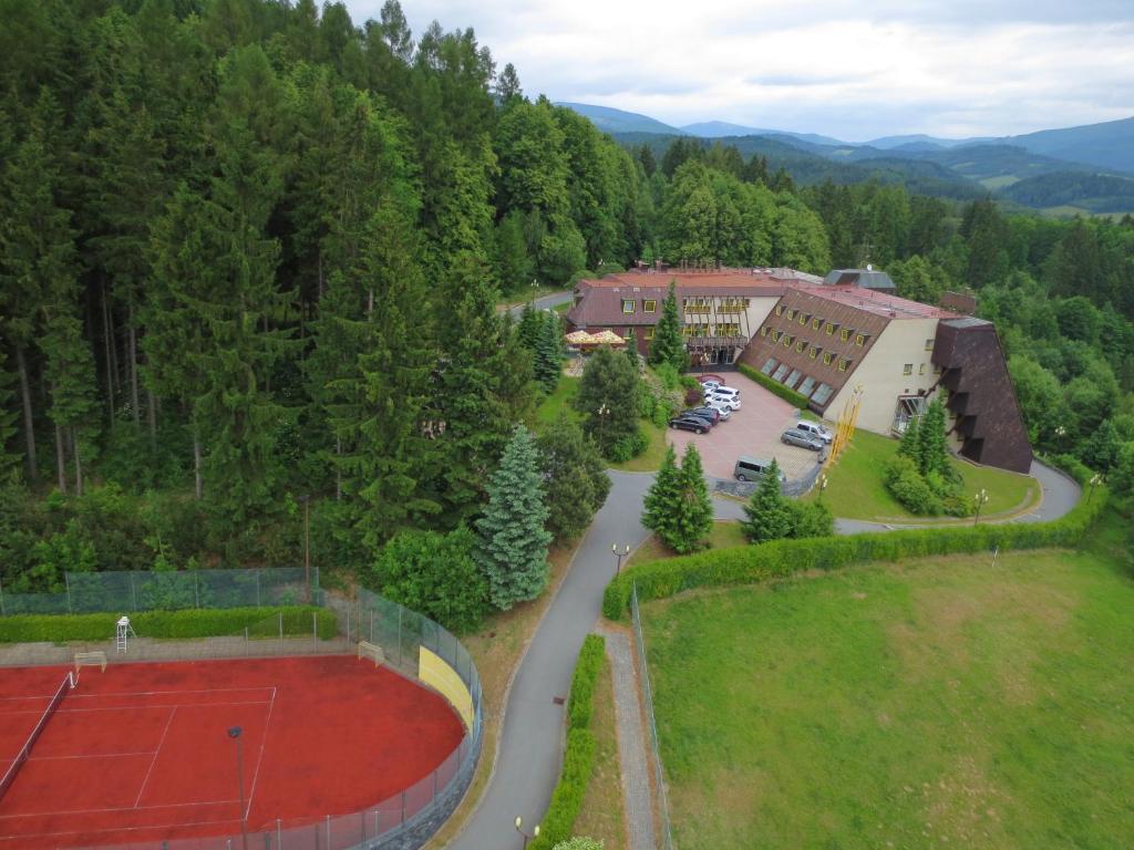 Letecký snímek ubytování Wellness Hotel Diana