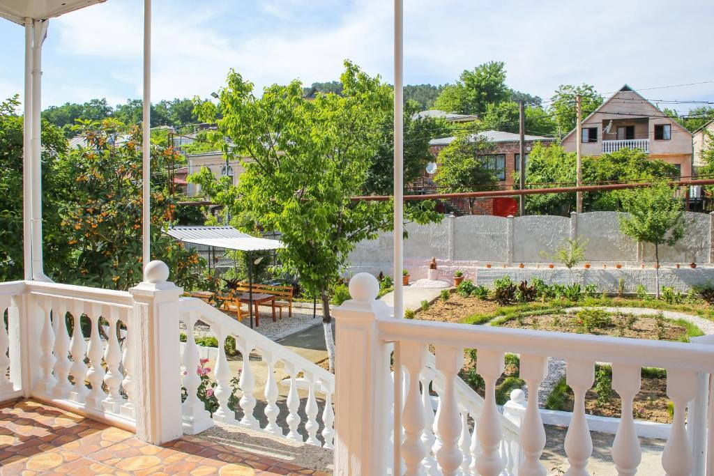 A balcony or terrace at Holiday House