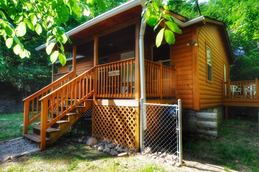 *New Cabin 5min From Parkway*Deer Hollow