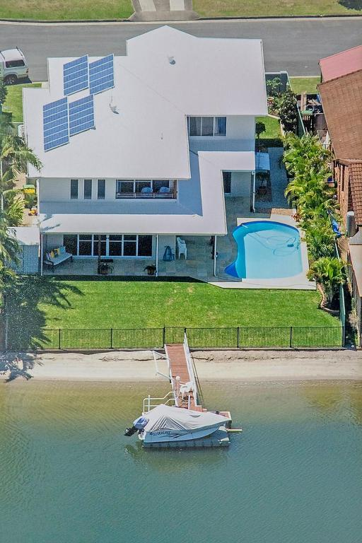 A bird's-eye view of 5 Star Water Front Luxury, Rooms Ava Gold Coast