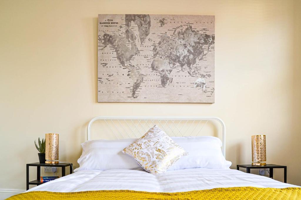 The Ella Fitzgerald - Luxury 2 Bedroom Apartment